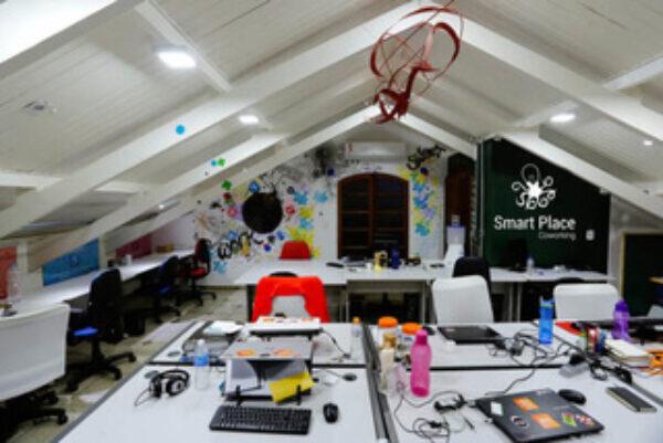 Smart Place - Espaço de Coworking Posição Fixa